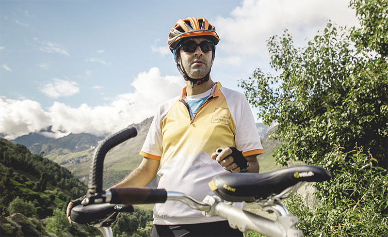 divyanshu-ganatra-indias-first-differentlyabled-paraglider